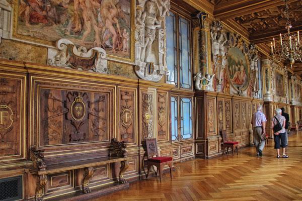 The Chateau De Fontainebleau Ile De France The Good Life