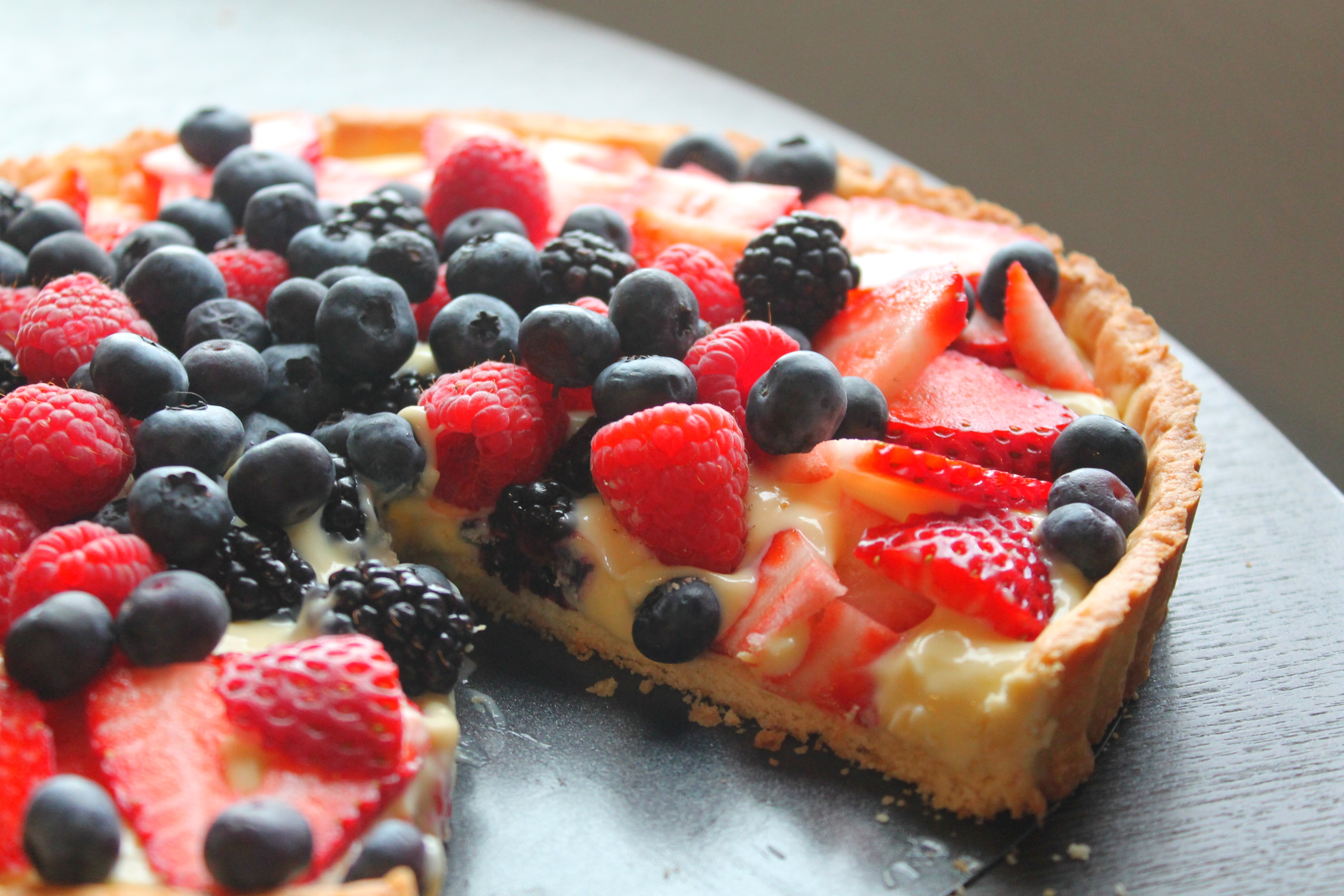 Fruit Tart with Fresh Berries