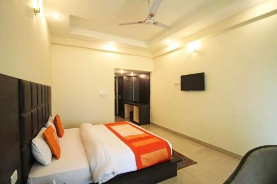 Semi-Deluxe-Room-Hotel-great-ananda-haridwar