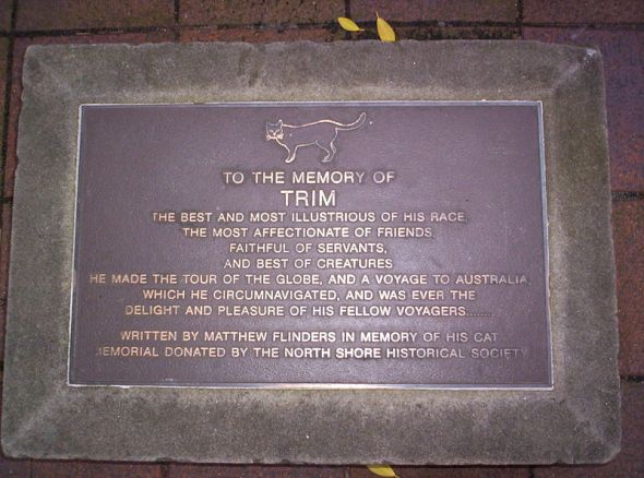 Plaque outside the State Library of New South Wales, dedicated to Matthew Flinders cat Trim