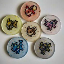 evolution-resine-dessous-verre-produit-pokemon-pixel-set-base-card-tgc-pokemoncard-pixelart-pixelcraft-pixelbeads-perlerbeads-perlerart-hama-hamabeads-hamasprites-artkal-artkalbeads-fusebeads-retro-gaming-sprite-design-tutoriel