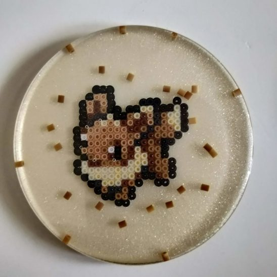 evoli-resine-dessous-verre-produit-pokemon-pixel-set-base-card-tgc-pokemoncard-pixelart-pixelcraft-pixelbeads-perlerbeads-perlerart-hama-hamabeads-hamasprites-artkal-artkalbeads-fusebeads-retro-gaming-sprite-design-tutoriel