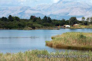 Στη λίμνη Αντινιώτη – thegreektraveller.com