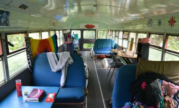07_Hedonisia-Hawaii_eco-hostel_aloha-bus