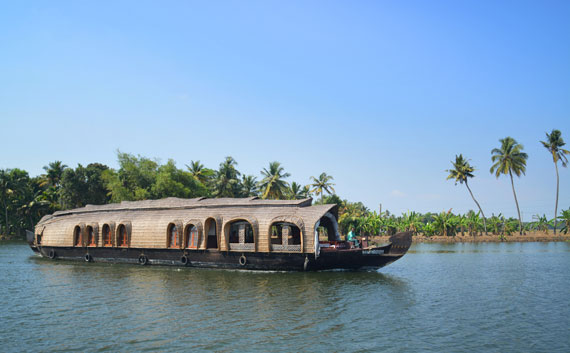 01_Kerala-Blog-Express_Backwaters-Alappuzha_Houseboats-Lakes-and-Lagoons