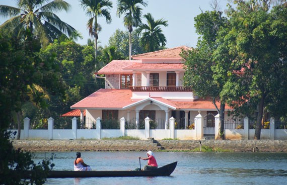 04_Kerala-Blog-Express_Backwaters-Alappuzha_Houseboats-Lakes-and-Lagoons