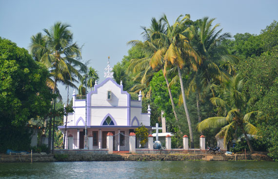 06_Kerala-Blog-Express_Backwaters-Alappuzha_Houseboats-Lakes-and-Lagoons