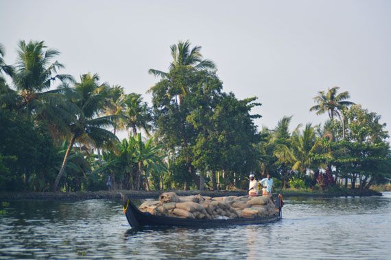 08_Kerala-Blog-Express_Backwaters-Alappuzha_Houseboats-Lakes-and-Lagoons