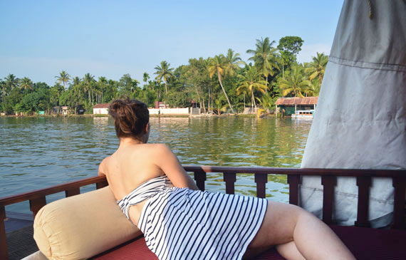 14_Kerala-Blog-Express_Backwaters-Alappuzha_Houseboats-Lakes-and-Lagoons