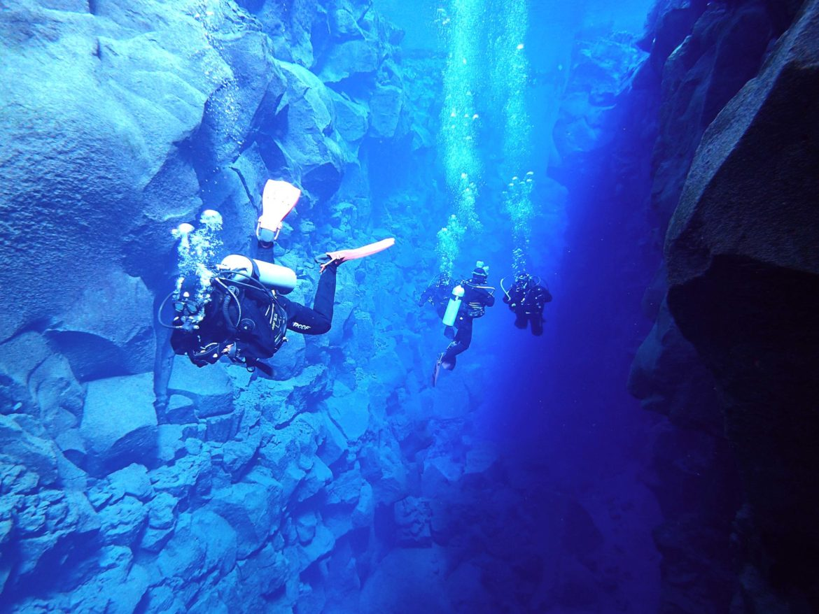 diving silfra dive iceland tectonic plates