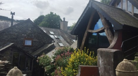 A quirky stay at Foel Ortho Farmhouse in Wales