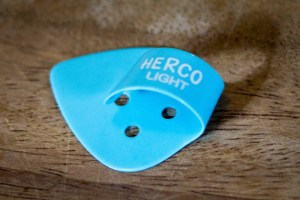 herco-light-blue-thumb-pick