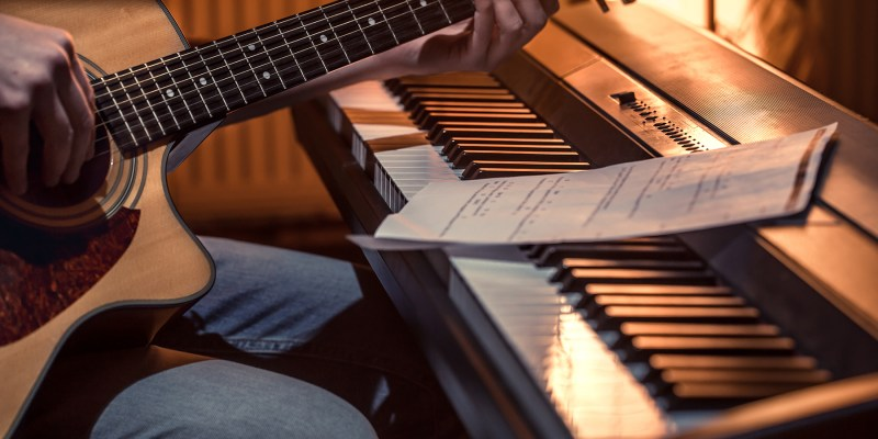 5 Reasons For Guitar Players To Take Piano Lessons