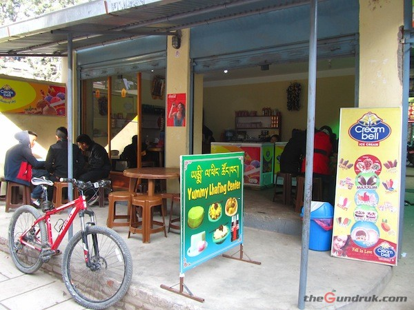 Yummy Lafing Center- One of the best place serving Laphing