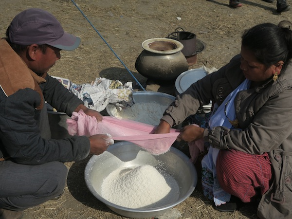 sieving rice flour
