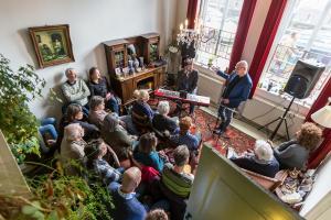 Gluren bij de Buren: Peeking at the Neighbours! @ All around The Hague