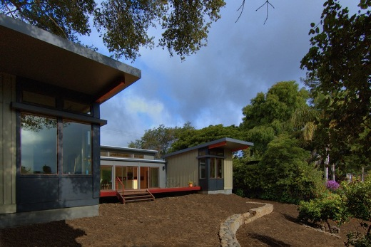 Stillwater-prefab-Santa-Barbara-rear-courtyard-deck-elevation