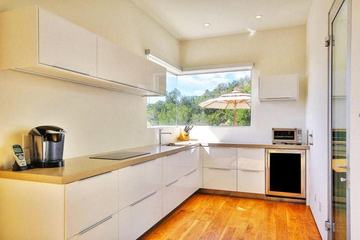 guest-house-kitchen