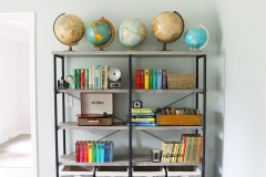 bookshelf_globes_library