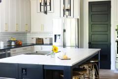 kitchen_neutrals_black_island