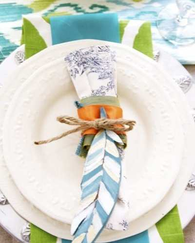 how to make a feather place setting (thanksgiving table ideas)