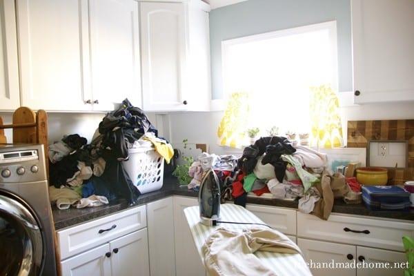 massive_piles_of_laundry