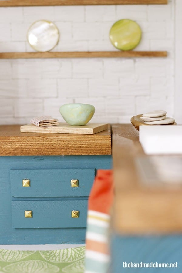 dollhouse_cabinets