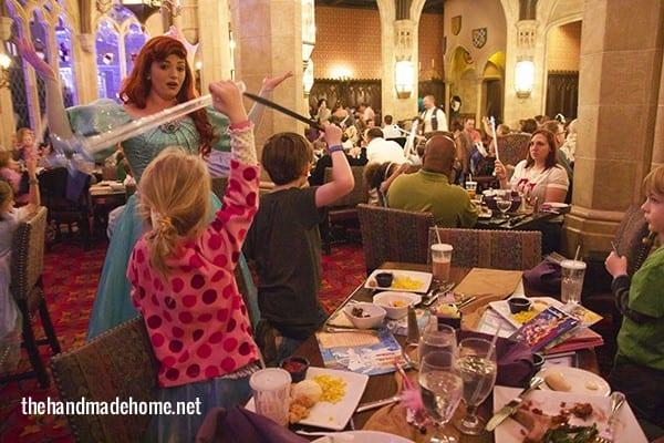 disney_dining_cinderellas_castle
