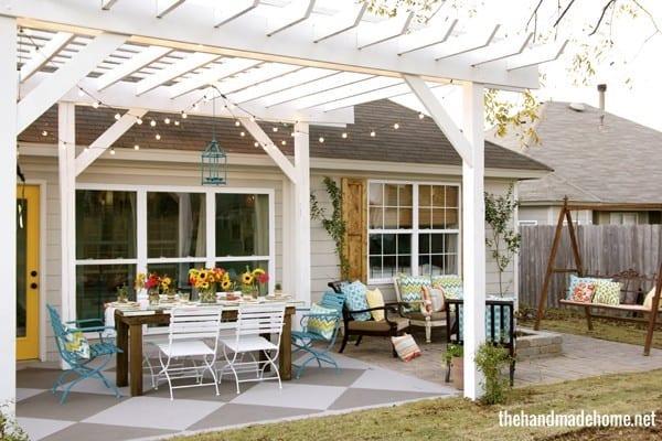 outside_pergola_patio_swing