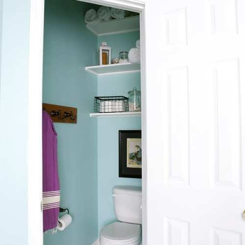 simple bathroom shelving