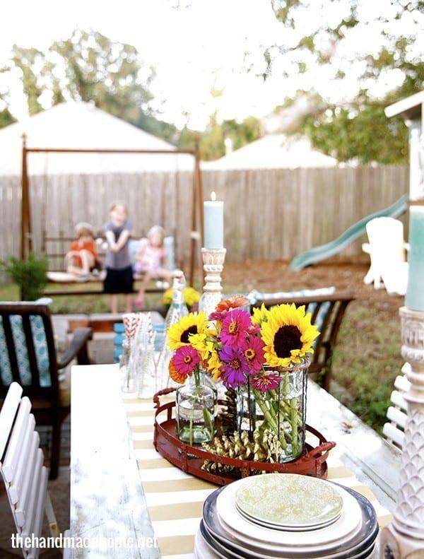 backyard_table_setting