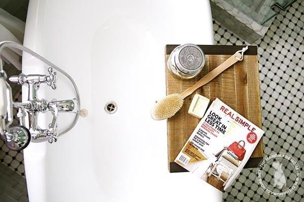 bathtub_reading
