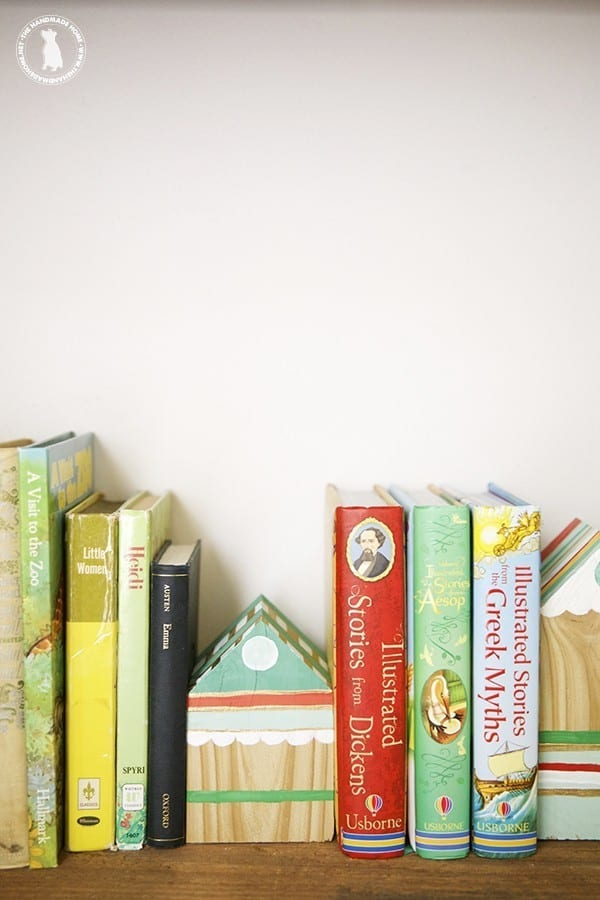 diy_house_shaped_bookends