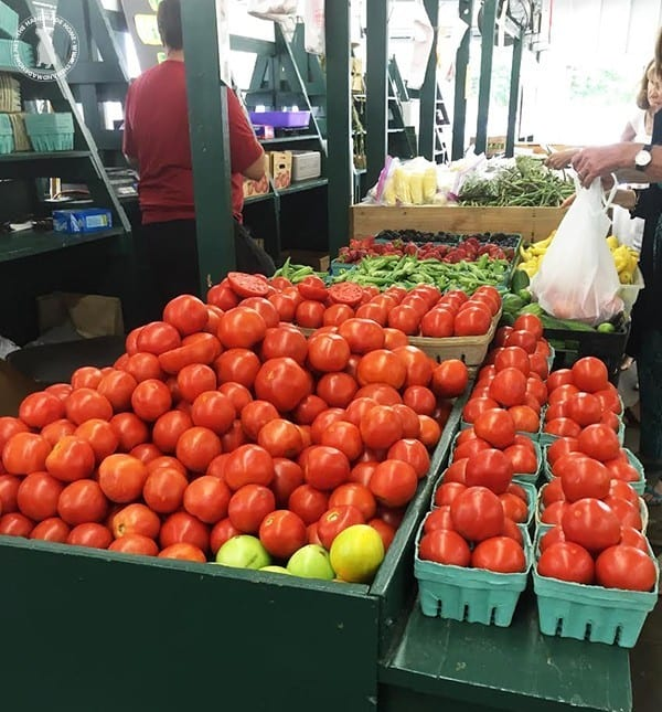farmers_market_fresh_tomatoes