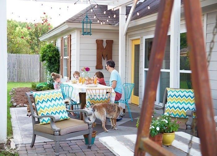 the_handmade_home_back_yard