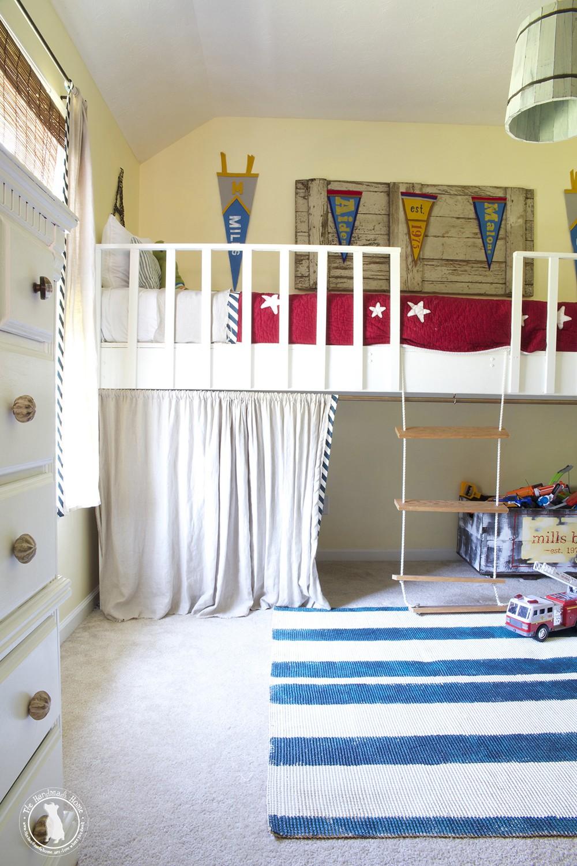 boys_shared_bedroom_big_bunkbed