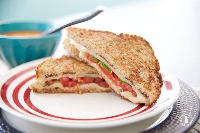 caprese_grilled_cheese_how_to
