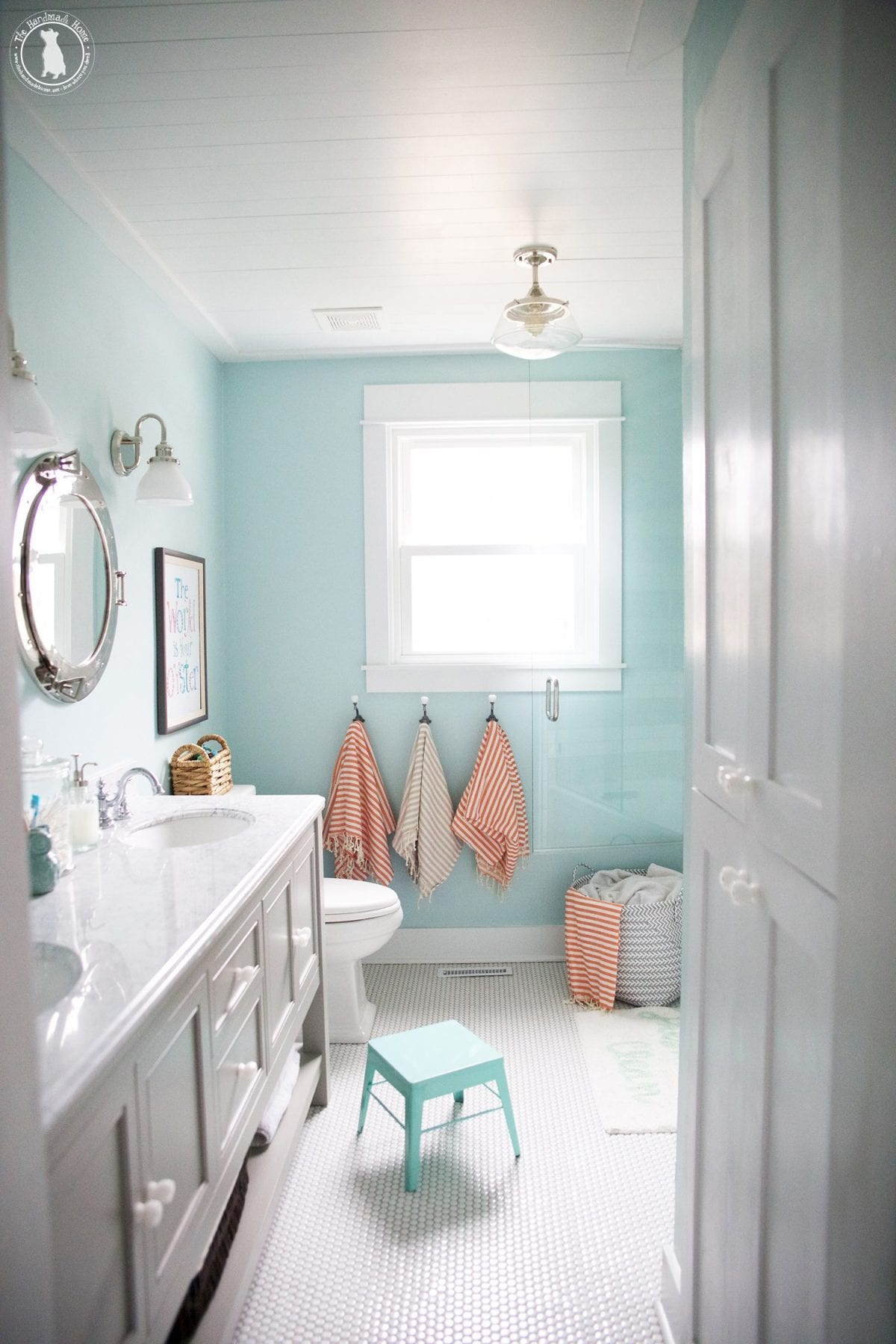 the kids bathroom - the handmade home