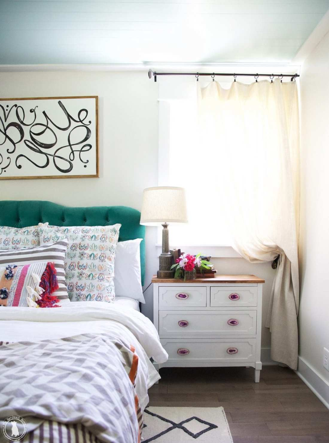 bedroom decorating tips - with color