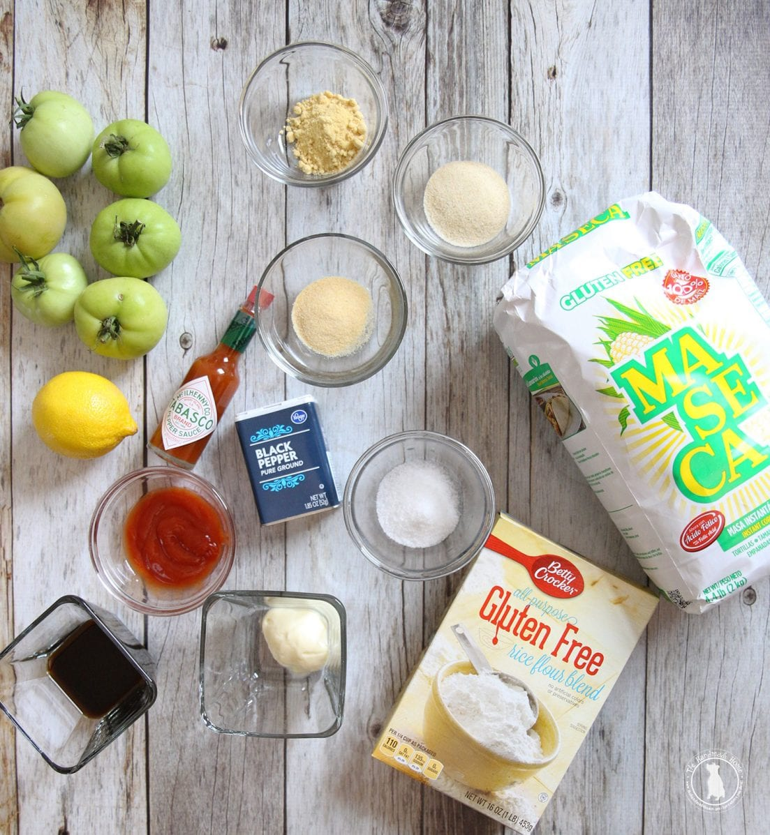 Gluten free sandwich - fried green tomato with comeback sauce - ingredients