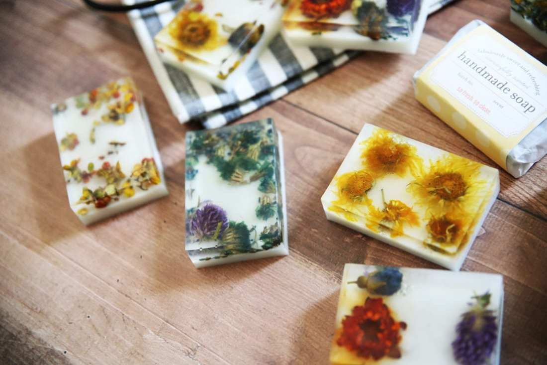 how to make pressed flower soap