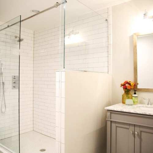 pole basement – bath