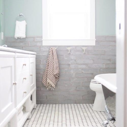 clawfoot bathroom