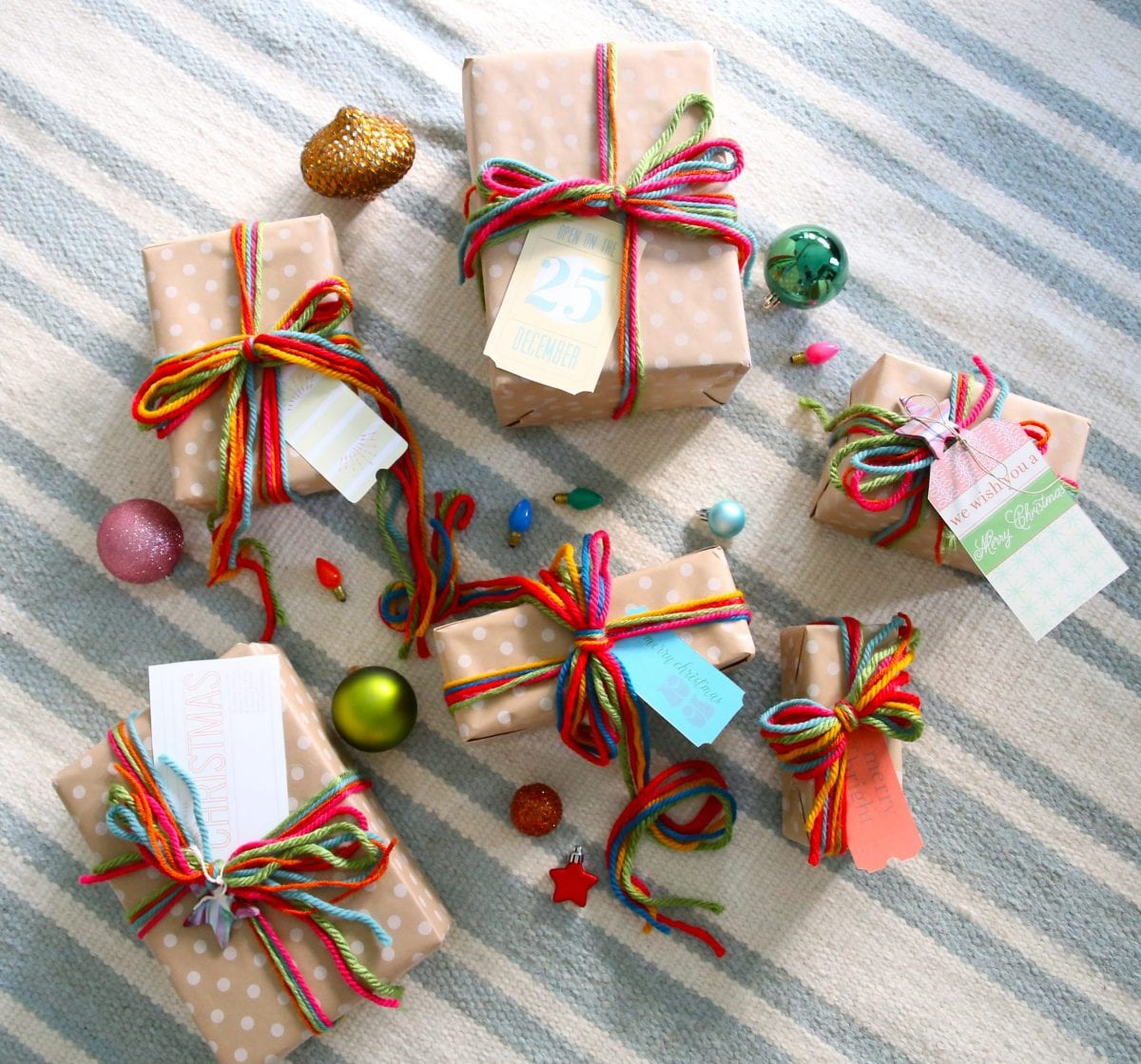 Dollhouse Gift Wrapped Presents 3 Easter Papers /& Pretty Bows