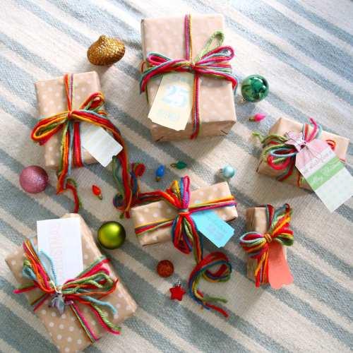 easy colorful gift wrap idea