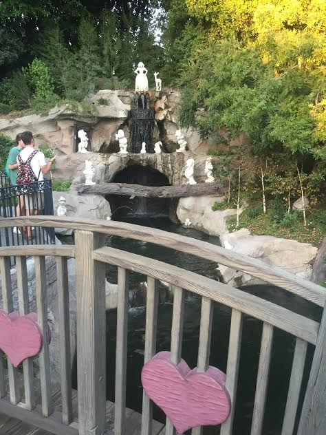 Disneyland Date Night! 14 Romantic Ideas