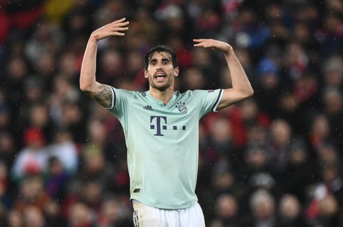 LIVERPOOL, ENGLAND - FEBRUARY 19: Javi Martinez of Bavaria in action during the last 16 of the UEFA Champions League Eighth finals between Liverpool and Bayern Munich at Anfield on February 19, 2019 in Liverpool, England. (Photo by Stu Forster / Getty Images)