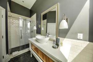 The Ebony Bathroom