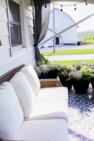 Farmhouse Style Outdoor Living | The Harper House on Farmhouse Outdoor Living Space id=30794