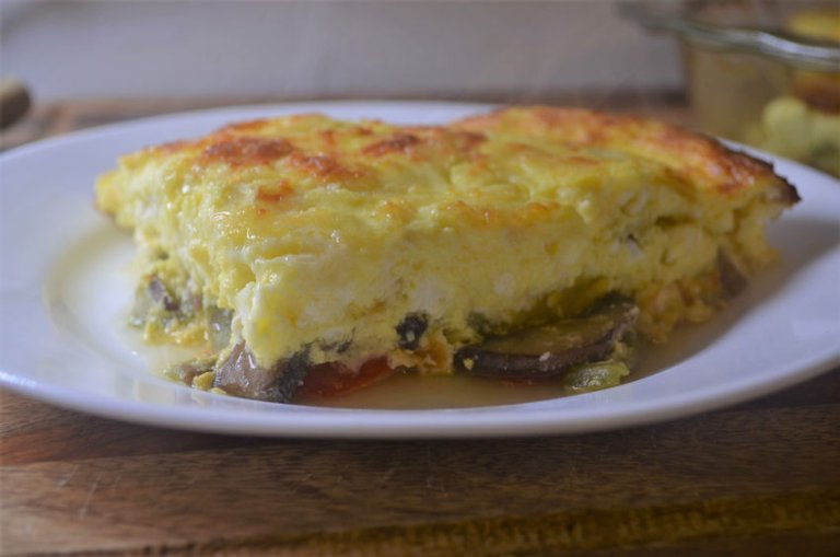 Super fluffy vegetable quiche! Simply the best! Whole 30, vegetarian, gluten-free, grain-free